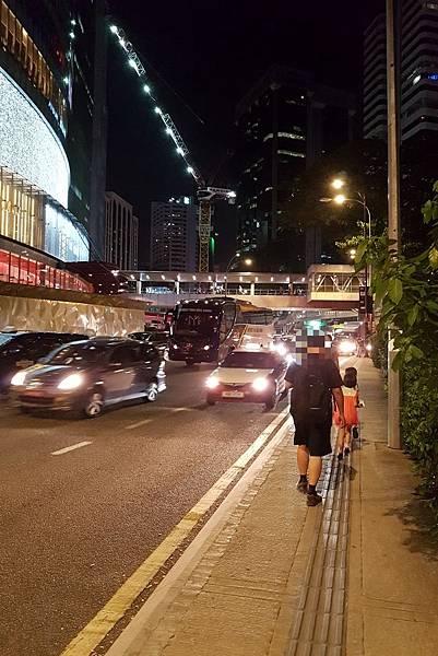 【馬來西亞/吉隆坡】從飯店走到對面百盛百貨公司