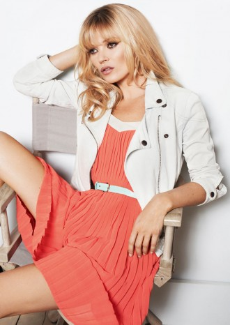 Kate-Moss-for-Mango-Spring-2012-Campaign-270212-2-330x466