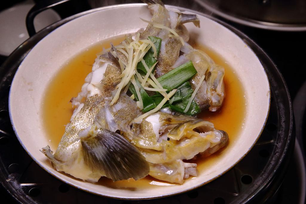 【食。林口】蒸霸王 蒸气海鲜塔~现捞、呷原味,活海鲜蒸塔鲜甜上桌!