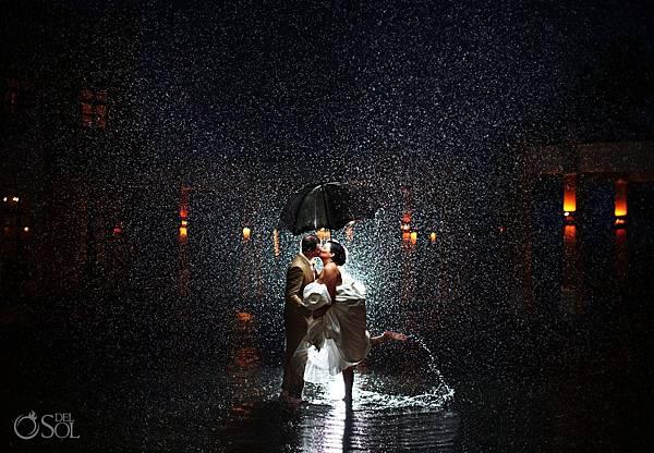 Best-Rain-Wedding-Pictures_0058.jpg