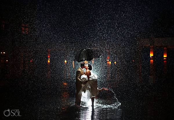 Best-Rain-Wedding-Pictures_0058.jpg