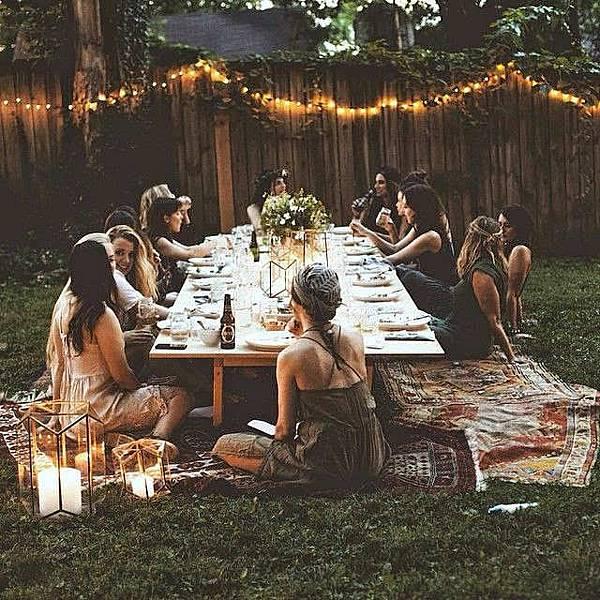 10-Romantic-Outdoor-Settings-3.jpg