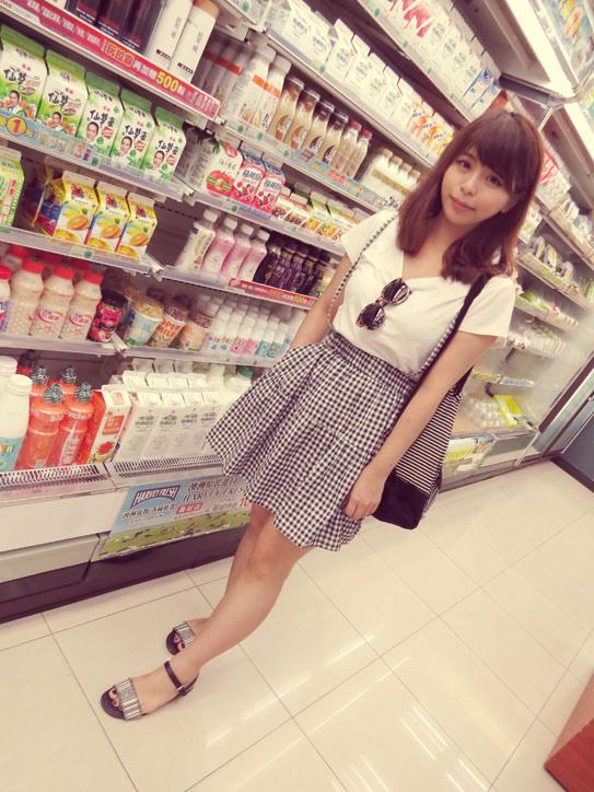 格子吊帶裙02