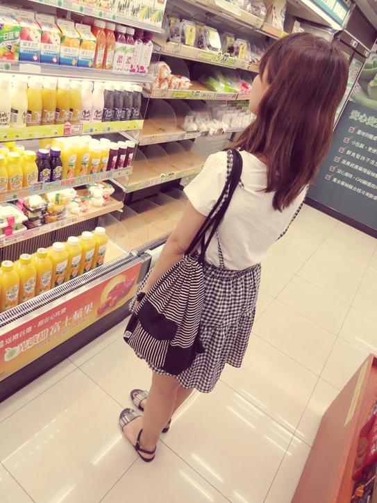 格子吊帶裙03