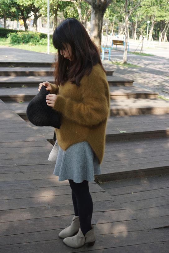高領羊毛駝色毛衣穿搭06