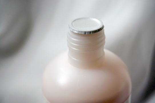 Lanocreme蘭儂 柔潤羊毛脂綿羊油身體乳 10.jpg