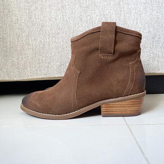 淘寶棕色短靴穿搭 01.JPG