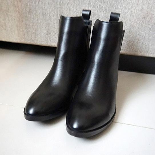 淘寶黑色短靴 02.JPG