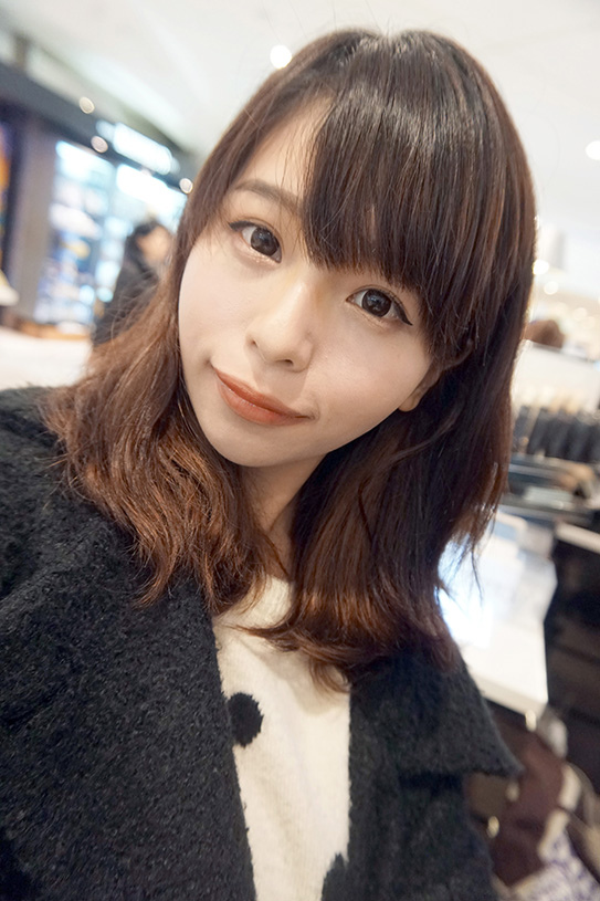 laura mercier蘿拉豐潤漾唇膏 21.JPG