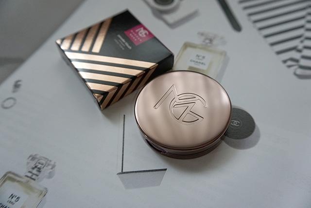 Makeup Geek Blush Compact 腮紅 Secret Admirer 03.JPG