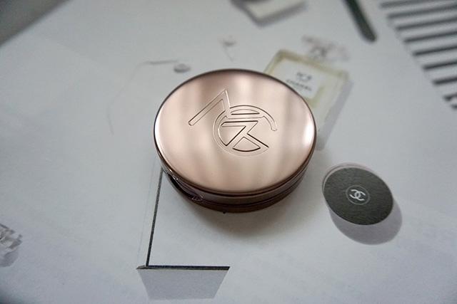 Makeup Geek Blush Compact 腮紅 Secret Admirer 08.JPG