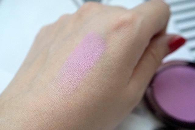 Makeup Geek Blush Compact 腮紅 Secret Admirer 12.JPG