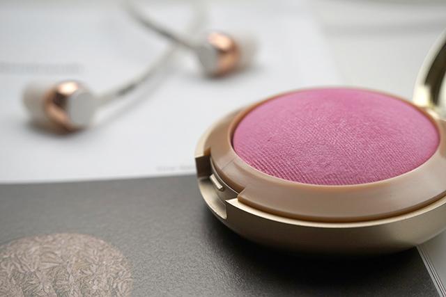 Milani Baked Blush 烘培腮紅 #10 delizioso pink 08.JPG