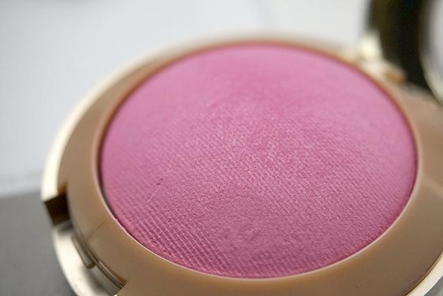 Milani Baked Blush 烘培腮紅 #10 delizioso pink 09.JPG