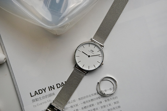 DW Daniel Wellington Classic Petite Sterling 32MM 13-1.JPG