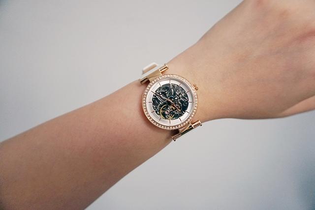 Kenneth Cole手錶  黑色白色男女對錶 12.JPG