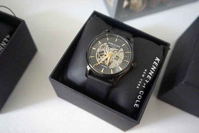 Kenneth Cole手錶  黑色白色男女對錶 22.JPG