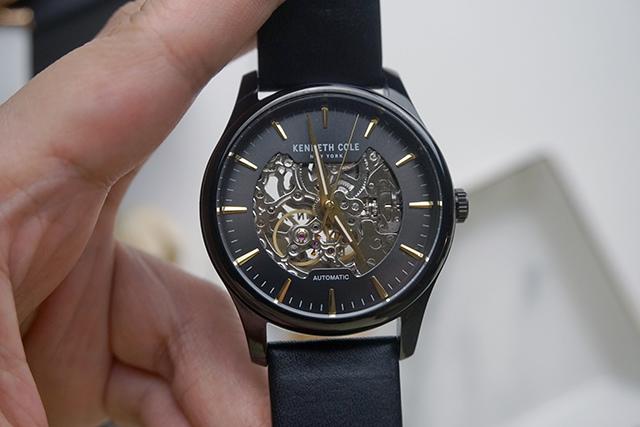 Kenneth Cole手錶  黑色白色男女對錶 26.JPG