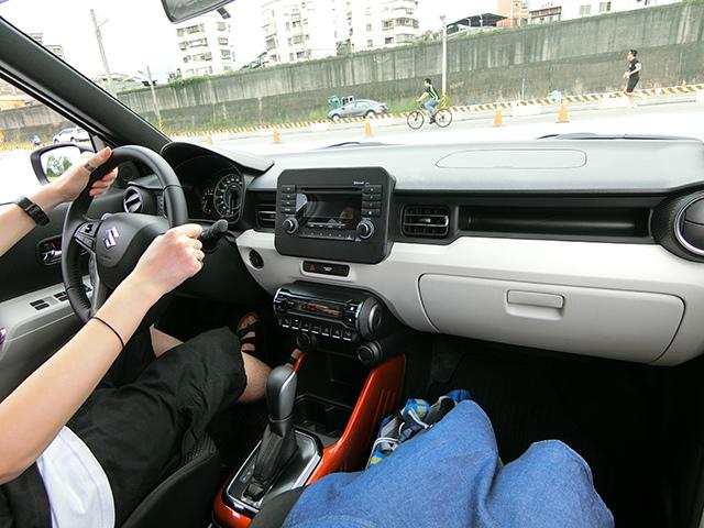 Suzuki 04.JPG
