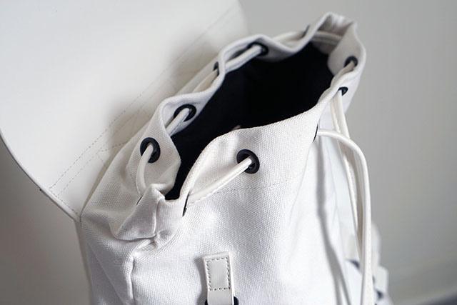Gaston Luga白色後背包穿搭分享10.JPG