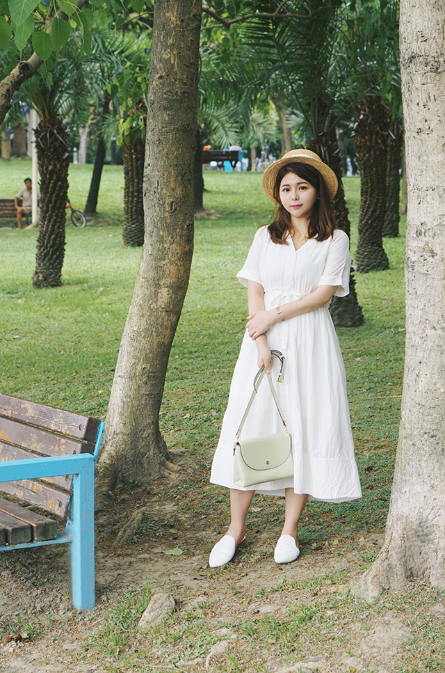 白洋裝穿搭11.JPG