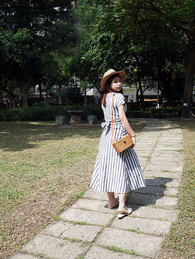 SHEIN 條紋洋裝穿搭07.JPG