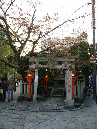 小巧的神社,有一股靜謐的神秘感