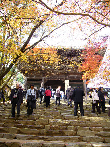 神護寺的樓門終於在望