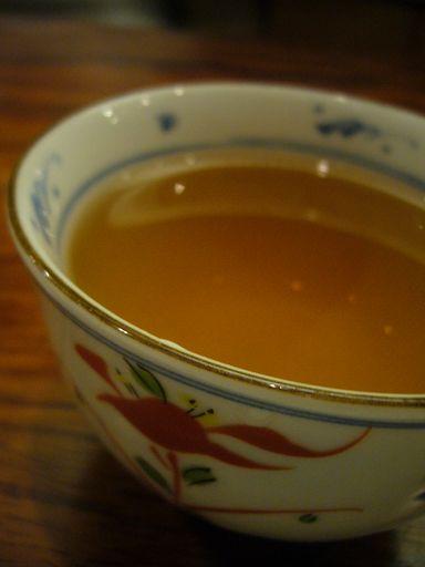 先喝點熱茶