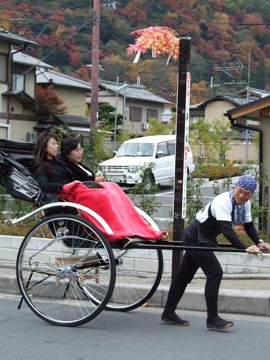 嵐山大街上的人力車伕