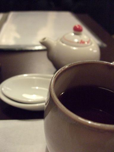 照往例,又是喝杯熱茶等上餐