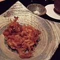 櫻海老的炸什錦,沾點塩巴一起吃,酥酥的口感咬在嘴裡愈嚼愈香,一點都不油膩。
