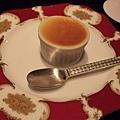 陶然亭的招牌甜點燒菓子(烤布蕾),小小的一杯,卻滿是濃郁香甜的滋味。