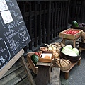超卡哇衣的手寫菜單和今日菜色都直接陳列在店門口。
