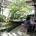 今天的天氣很好,坐在漂亮的庭院裡用餐,食物似乎也變得更美味了。^Q^