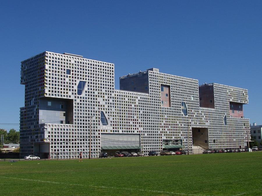 Simmons_Hall,_MIT,_Cambridge,_Massachusetts