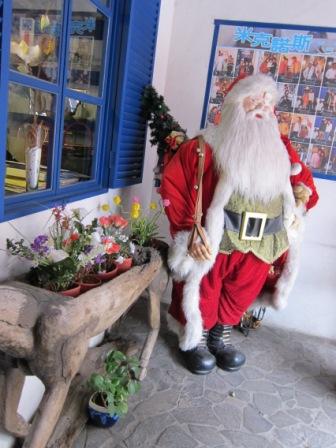 聖誕老公公真辛苦 聖誕節過挺久的說