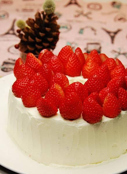 巧克力鮮奶油草莓戚風-2.jpg