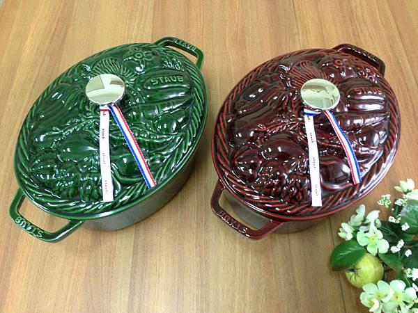 Staub蔬菜造型鑄鐵鍋.jpg