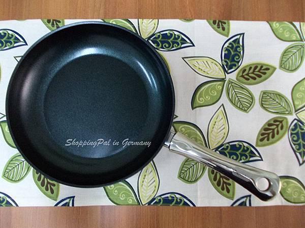 寶迪Alu color平底鍋-金屬綠.jpg