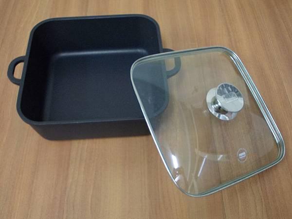 寶迪黑鑽方形燉鍋.JPG