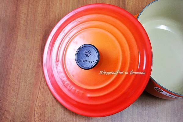 LE CREUSET 圓形鑄鐵鍋-烤箱紅