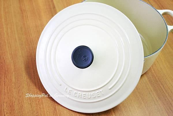 LE CREUSET 圓形鑄鐵鍋-米白色