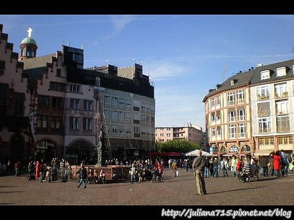 PhotoCap_081018244 (Helen).jpg