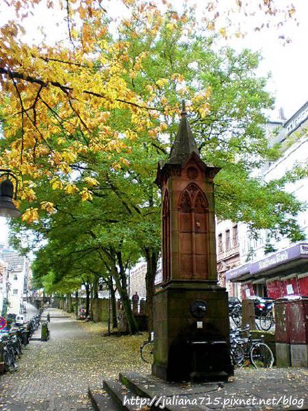 PhotoCap_08100711 馬堡舊城街景 (Helen).jpg