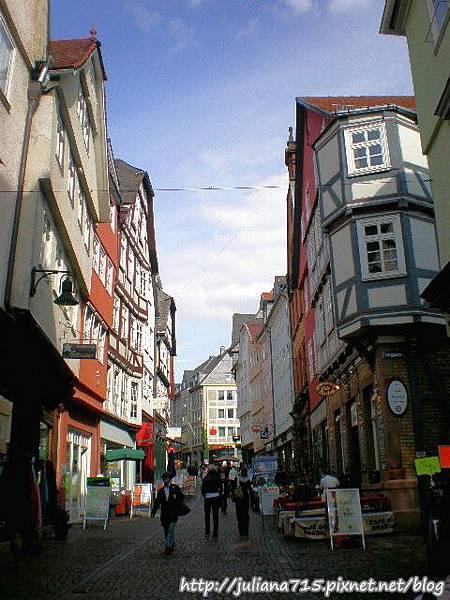 PhotoCap_08091946 馬堡舊城街景 (Helen).jpg