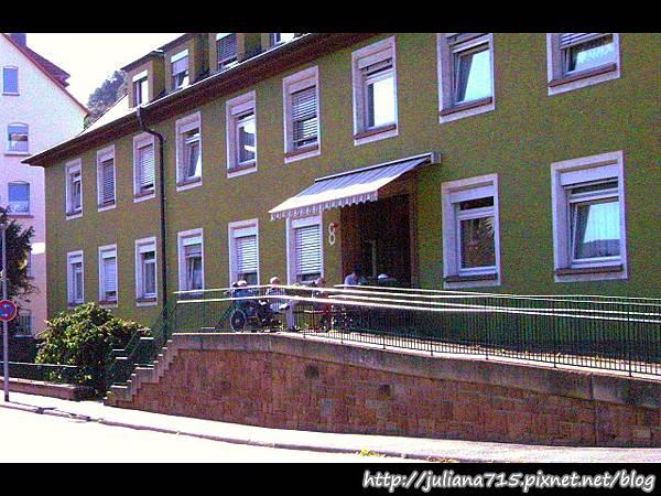 PhotoCap_08090928 馬堡街景.jpg
