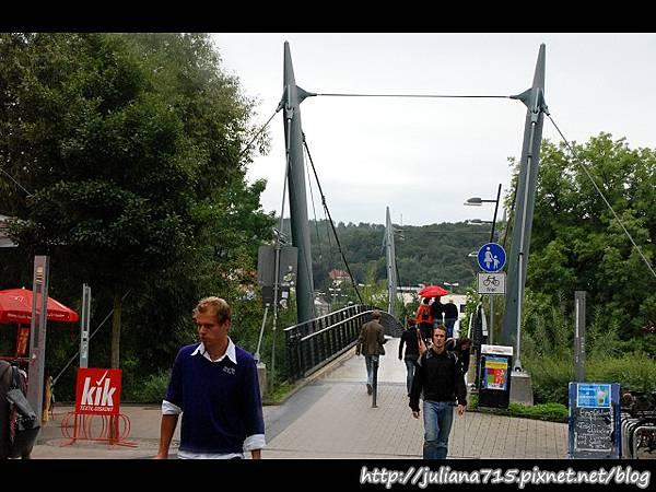 PhotoCap_08090660 馬堡街頭橋 (YS).jpg