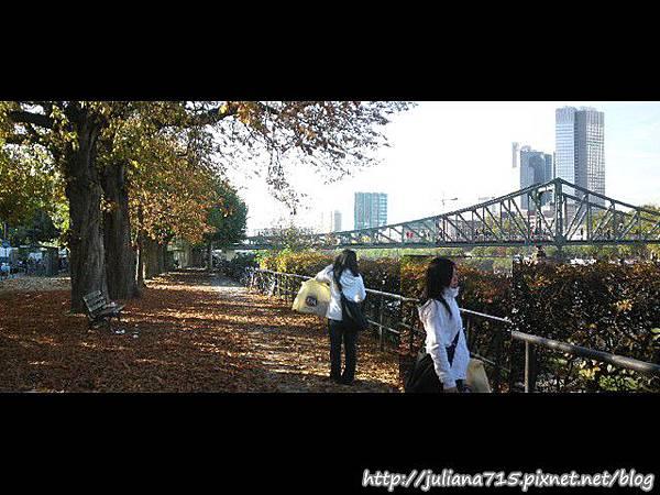 PhotoCap_081018112 小倩 (Helen)P01.jpg