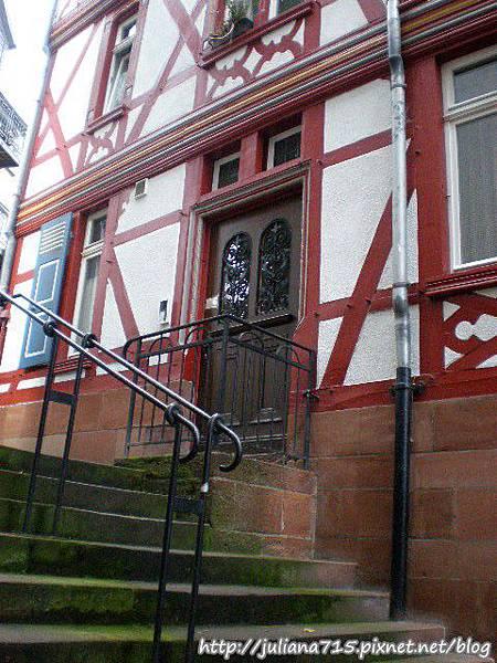 PhotoCap_08101711 馬堡舊城街景 (Helen).jpg